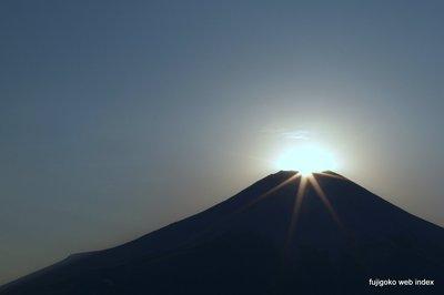 ちょっと霞んだダイヤモンド富士