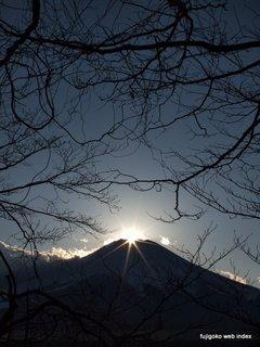 明日から湖畔〜ダイヤモンド富士@山中湖