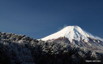 富士山麓に初の積雪〜忍野から