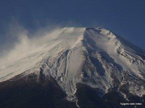 仕事始めの朝の富士山