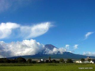 久しぶりの青い空白い雲そして富士山