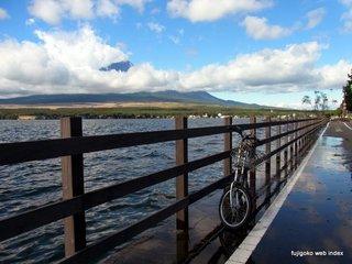湖畔サイクリングロード冠水@山中湖