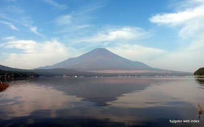 もやもや秋の空と富士山